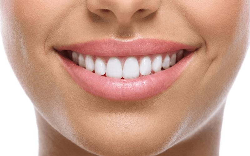 口臭を悪化させる原因の食べ物とは?口臭予防・改善に効果的な食べ物と飲み物12選